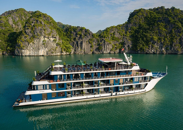 Du thuyền Rosy cruises: Nơi hoàn hảo để tận hưởng 'weekend-getaway' và ngắm nhìn kỳ quan tuyệt đẹp