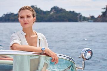 Học hỏi bí quyết tạo dáng trên du thuyền của siêu mẫu khắp thế giới