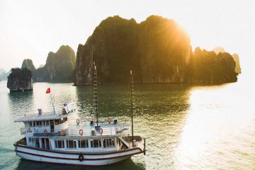 Du thuyền Sen Hạ Long - Nơi giá trị truyền thống Việt Nam được tôn vinh