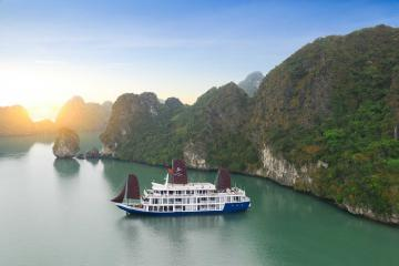 Du thuyền 5 sao Lapinta Cruise: Nét bút xa hoa giữa kỳ quan thế giới Vịnh Hạ Long