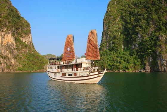 Du thuyền Garden Bay Luxury 'thiên đường' nghỉ dưỡng 4 sao giữa lòng di sản