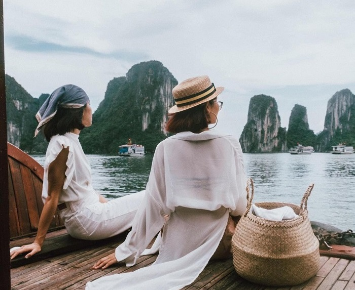 Khám phá Vịnh Hạ Long trên du thuyền Aphrodite Cruises 5 sao tuyệt đẹp