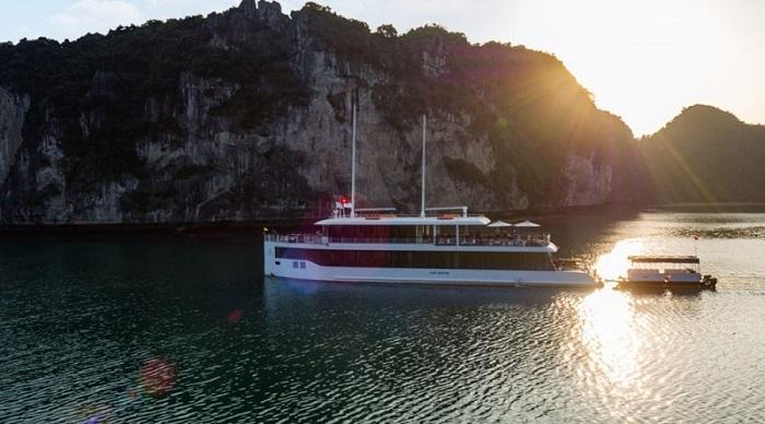 Du thuyền Jade Sails 24