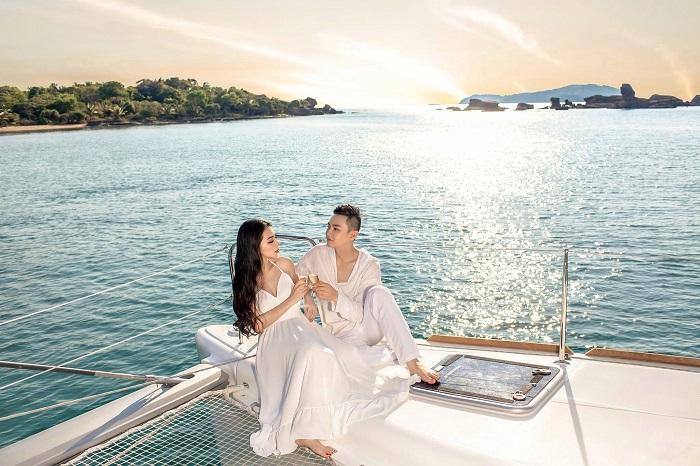 Du thuyền Sarita 30