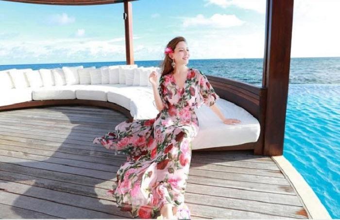 Gợi ý trang phục đi du thuyền: đầm maxi