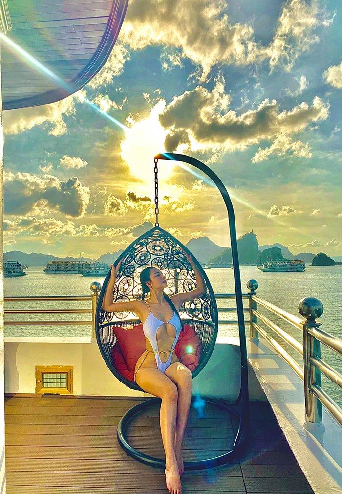 Du thuyền Athena Royal Hạ Long