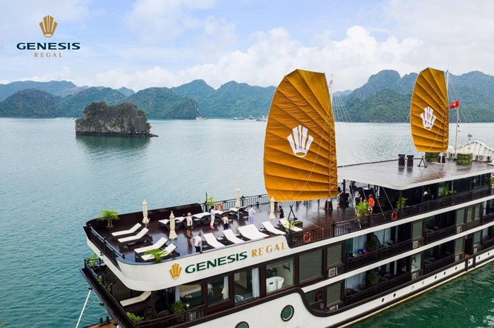 Du thuyền Genesis Regal