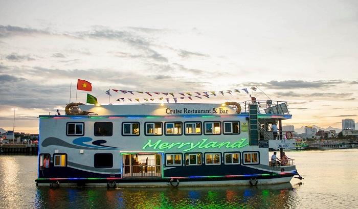 Kinh nghiệm đi du thuyền sông Hàn Đà Nẵng: Merryland