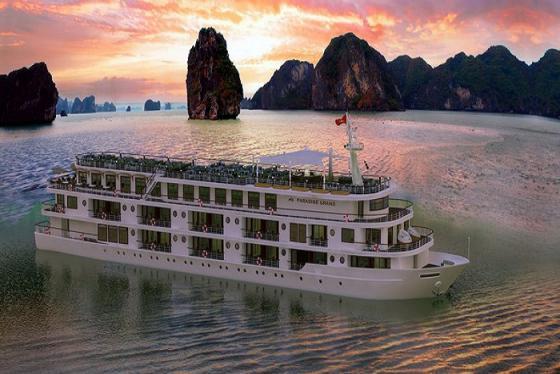 Kinh nghiệm thuê tàu thăm vịnh Hạ Long từ A – Z dành cho khách du lịch
