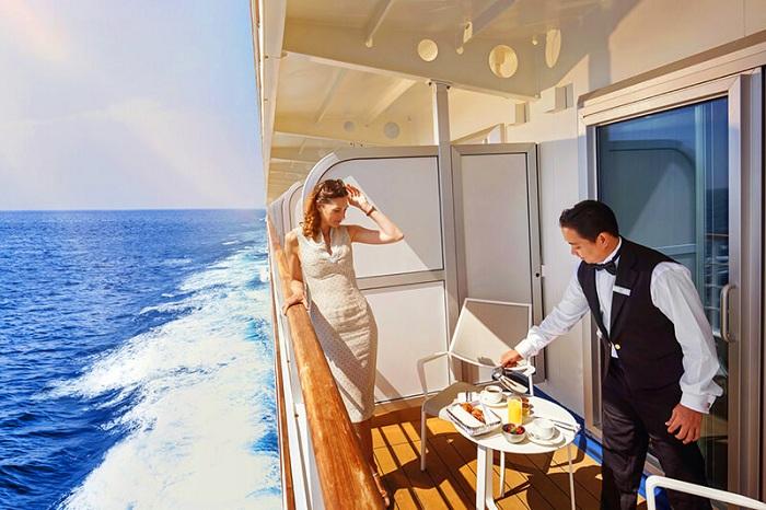 Gợi ý trang phục đi du thuyền: trang phục dạ tiệc