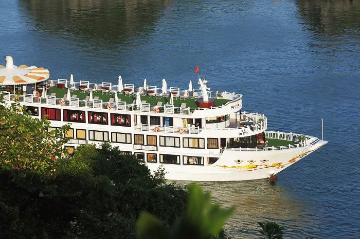 Du thuyền Oriental Sails 18