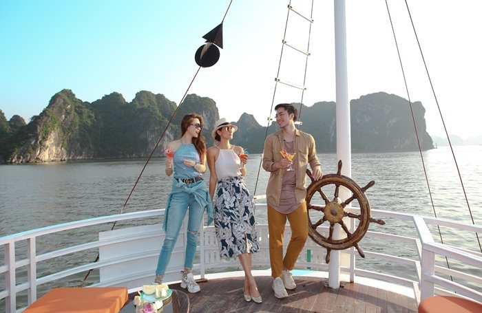 Cùng du thuyền L'Azalée Cruises