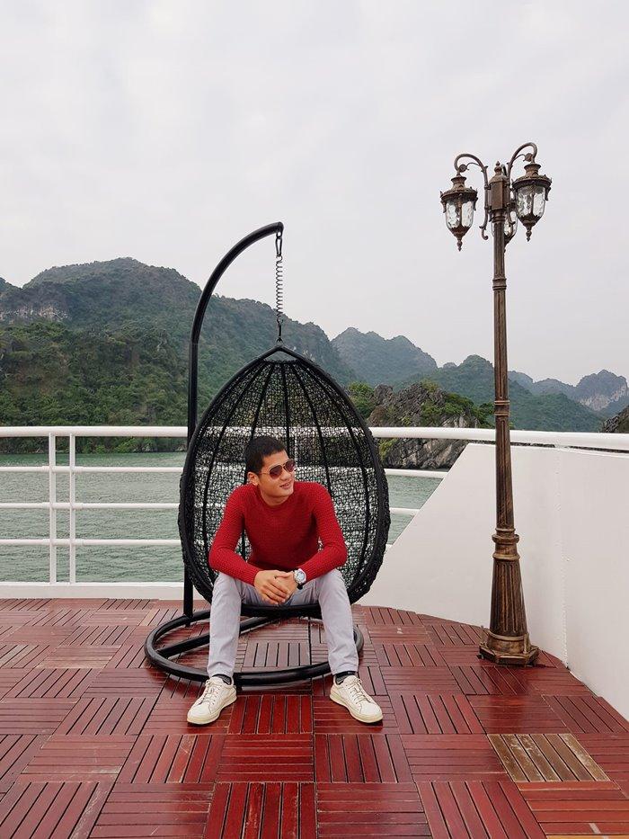 Du thuyền Magenta Hạ Long