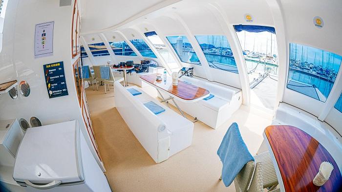Du thuyền Serenity Yachting 9