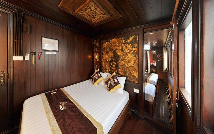Du thuyền vịnh Bái Tử Long