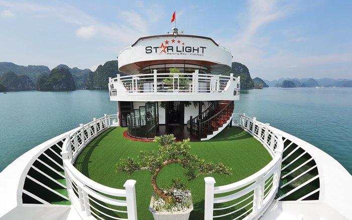 Cùng du thuyền Starlight Hạ Long