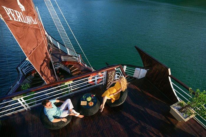 du thuyền Perla Dawn Sails Cát Bà