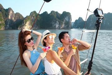 Cùng du thuyền L'Azalée Cruises khám phá vịnh Hạ Long theo cách của bạn